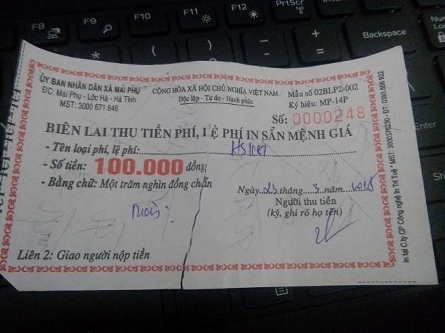 Biên lai UBND xã Mai Phu thu 100.000 đồng của anh Trịnh Văn Tuấn.