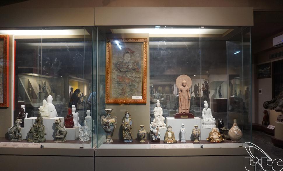 Bảo tàng Văn hóa Phật giáoBảo tàngtrưng bày hơn 500 hiện vật có ý nghĩa đối với sự phát triển văn hóa Phật giáo.