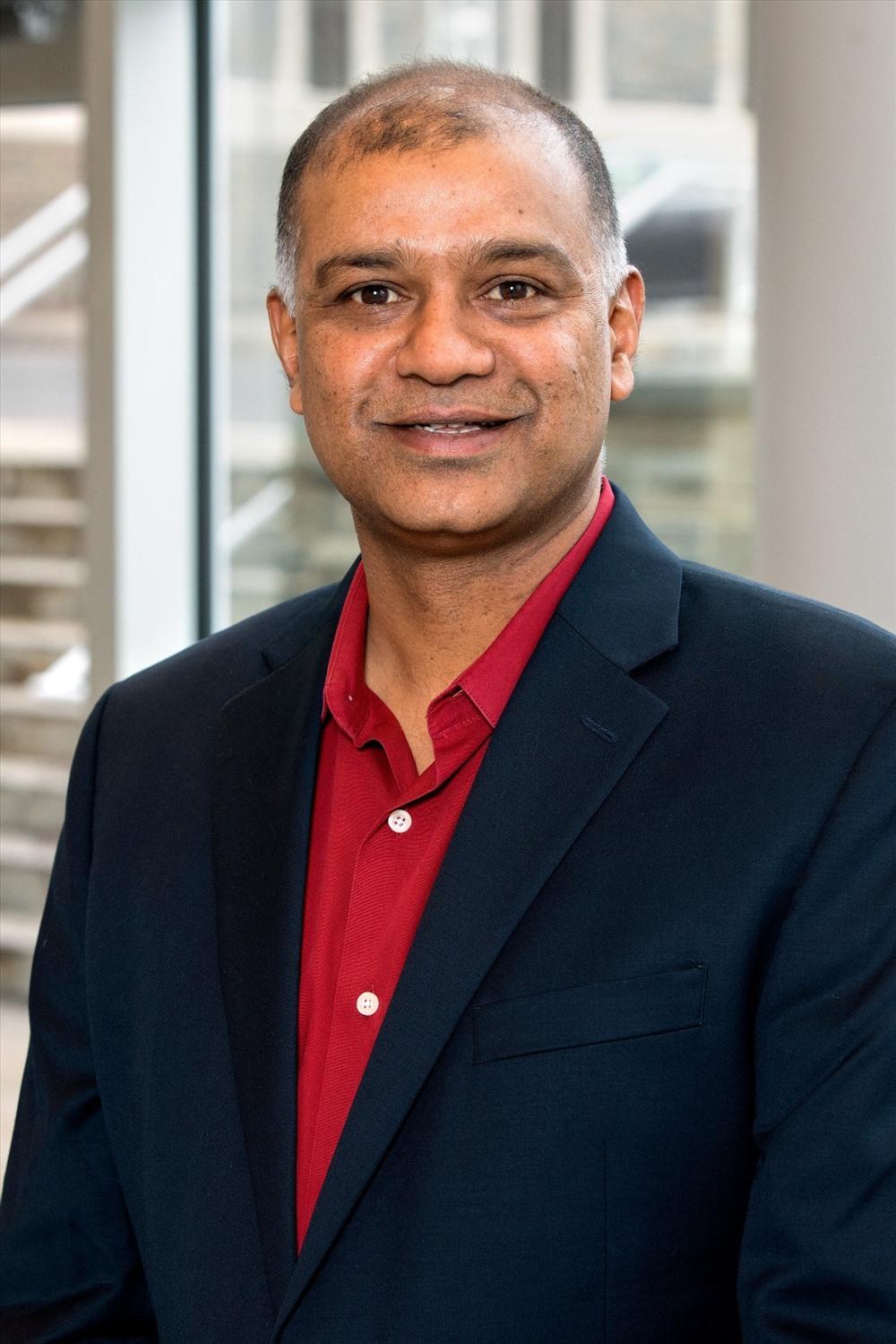 Ông Rohit Verma, Hiệu trưởng, phụ trách đối ngoại, trường Quản trị kinh doanh SC Johnson, Đại học Cormell