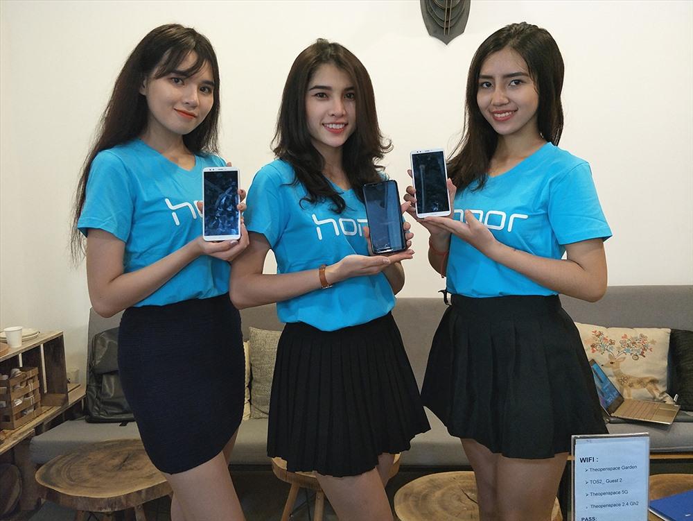 Honor 7C được định vị nhắm vào phân khúc người tiêu dùng trẻ tại Việt Nam.
