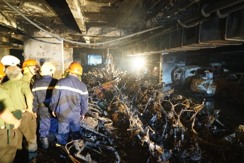 Hiện trường vụ cháy chung cư Carina.