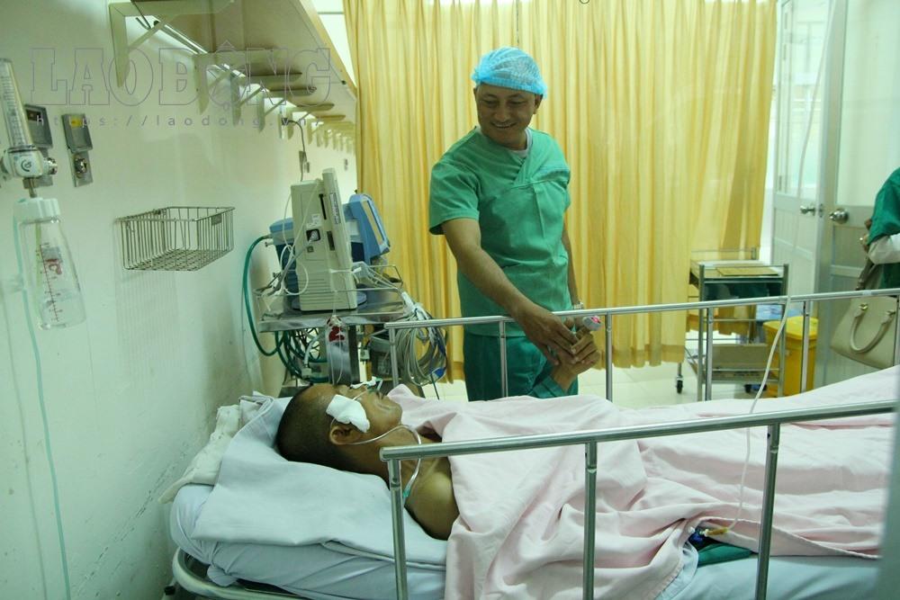 Bệnh nhân Trần Văn Hoàng tại phòng cách ly, Bệnh viện 115.