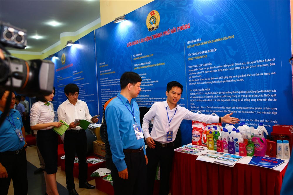 Các sản phẩm xuất sắc từ người lao động được trưng bày tại Triển lãm Tự hào Trí tuệ lao động Việt Nam khu vực Đồng bằng sông Hồng 2018