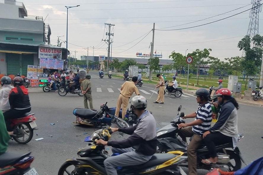 Một vụ tại nạn giao thông ở TPHCM.  Ảnh: C.N