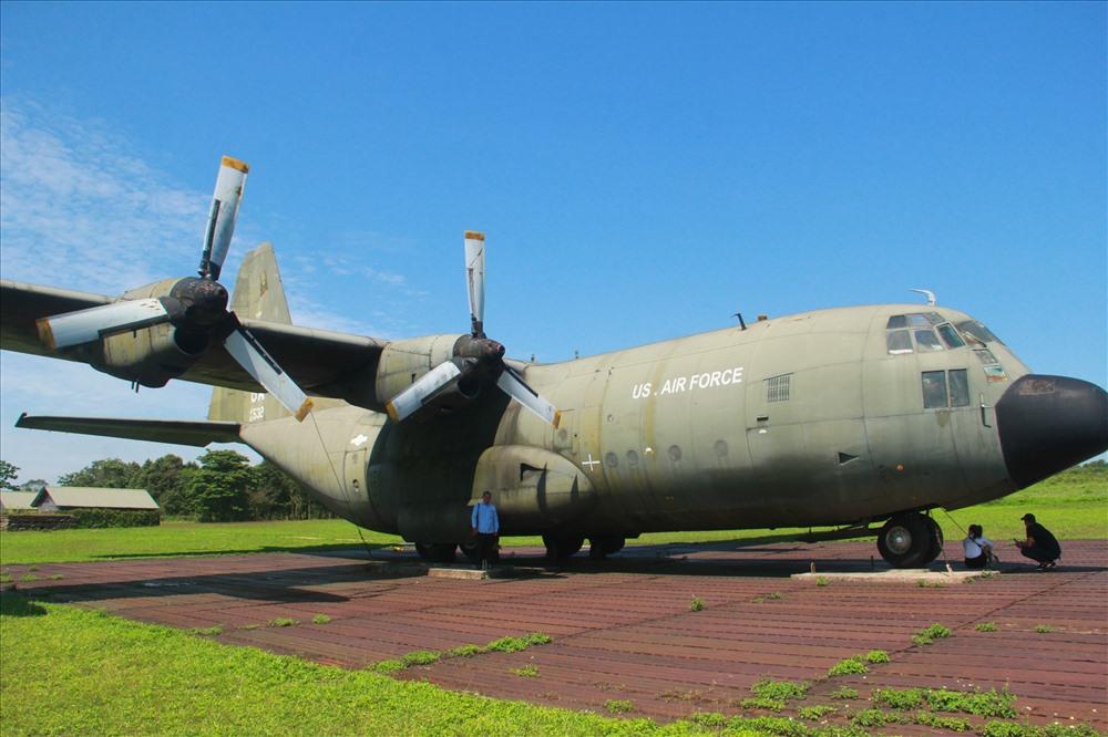 Sân bay Tà Cơn hiện trưng bày nhiều loại máy bay của Mỹ sử dụng trong chiến tranh. Ảnh: PXD.