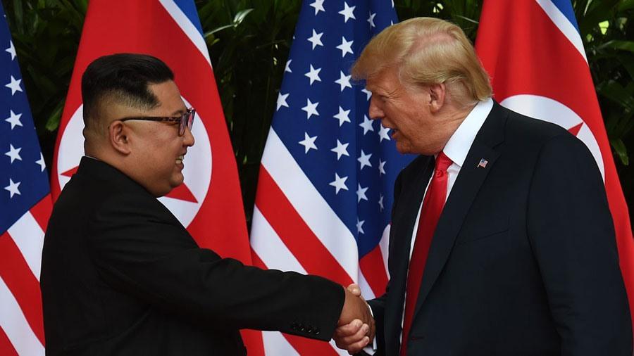 Nhà lãnh đạo Triều Tiên Kim Jong-un và Tổng thống Mỹ Donald Trump. Ảnh: ST