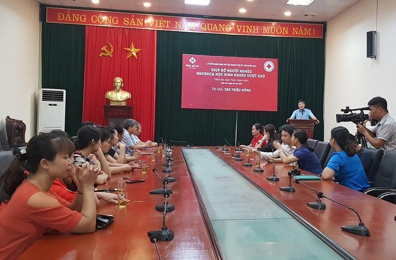 Ông Lê Văn Tân - Phó Chủ tịch UBND TP Phúc Yên ghi nhận sự hỗ trợ của Tập đoàn TMS với sứ mệnh chung tay vì người nghèo