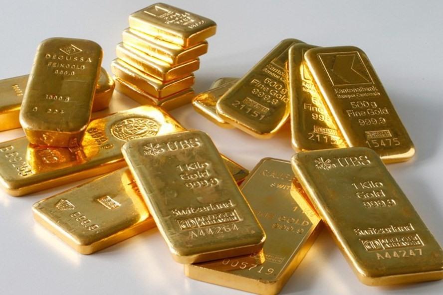 Giá vàng hôm nay giảm mạnh, cẩn trọng mua bán (Ảnh minh họa).