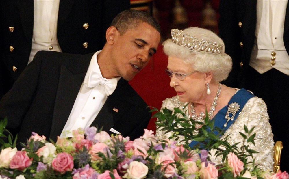 Nữ hoàng và Tổng thống Barack Obama trong quốc yến ở Cung điện Buckingham ngày 24.5.2011. Ảnh: AP