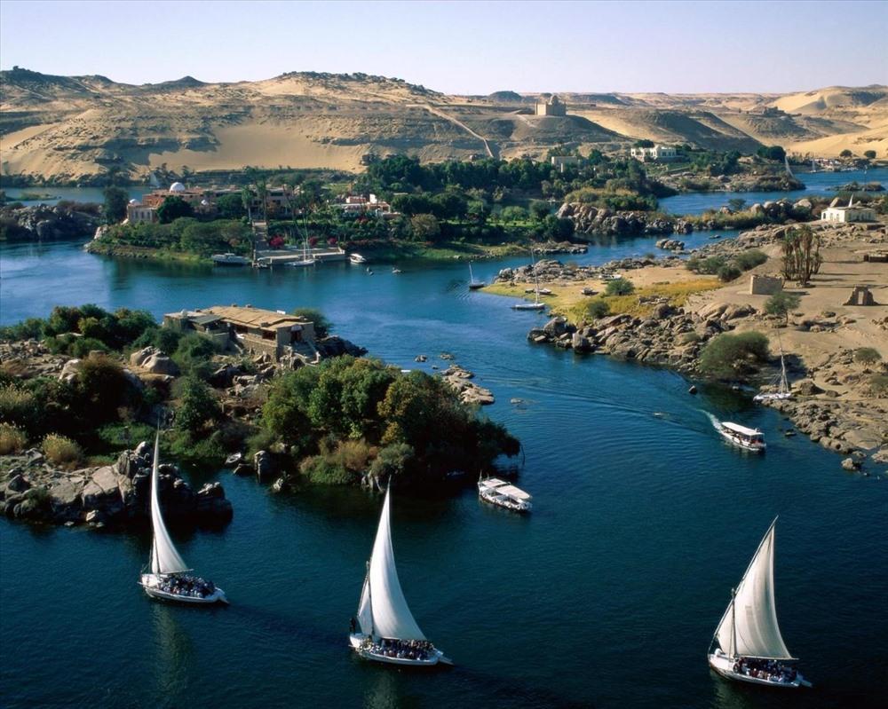 Người Ai Cập cổ đại luôn coi sông Nile như một vị thần linh thiêng. Ảnh: Vietravel