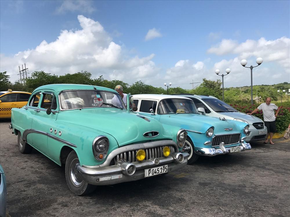 Những chiếc xe taxi độc đáo tại Cuba