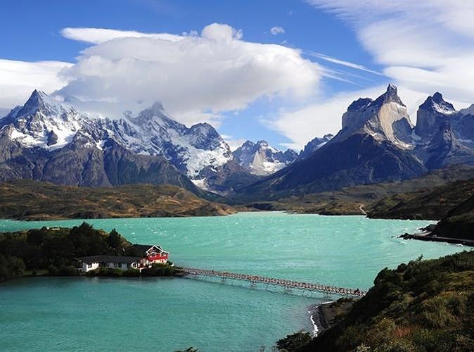 2. Công viên quốc gia Torres del Paine, Chile:Nơi này là sự kết hợp tuyệt đẹp giữa núi, sông băng, rừng và hồ.