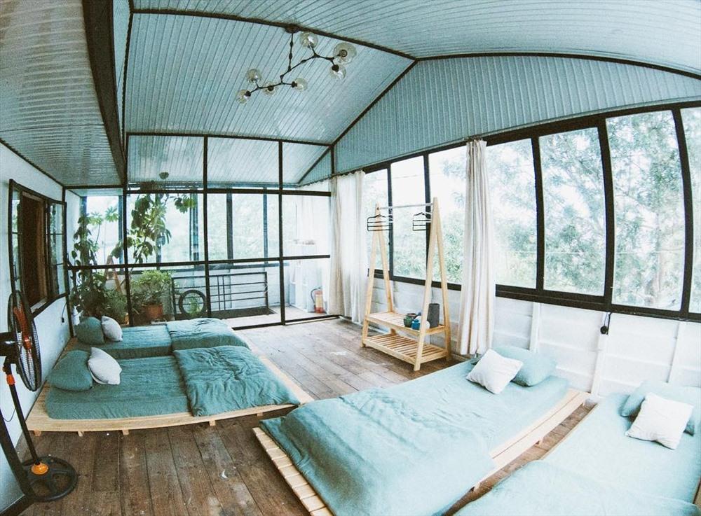 Có rất nhiều homestay xinh xắn đáng yêu với mức giá hợp lý dành cho các bạn muốn tận hưởng không gian nghỉ ngơi thật đặc sắc, riêng biệt. Ảnh: Tripnow