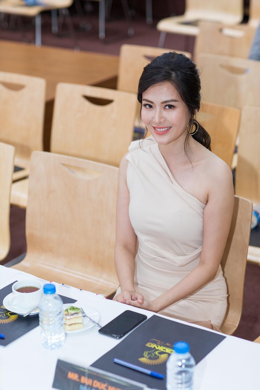 Hoa hậu Thu Thuỷ với nhan sắc trẻ trung ở tuổi 42