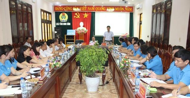 Các đại biểu nghe đồng chí Nguyễn Ngọc Hiển - Tổng Biên tập Báo Lao Động phát biểu