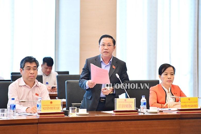 ĐB Lưu Bình Nhưỡng (Ủy viên Thường trực UB về các vấn đề xã hội). Ảnh Q.H