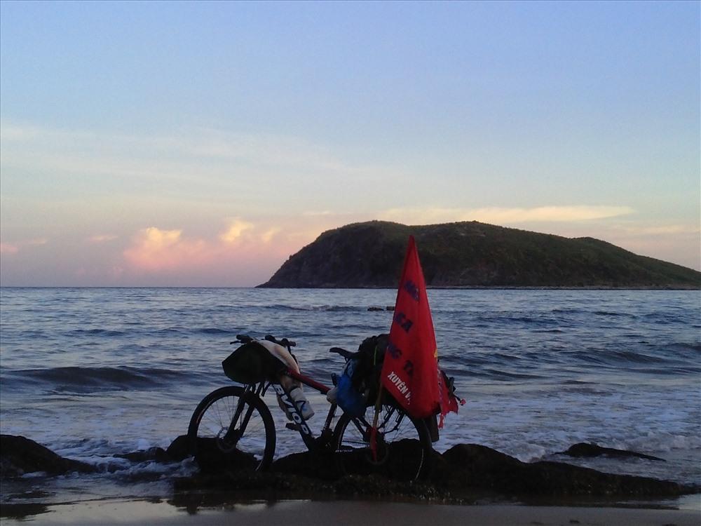 Tôi ở Vùng Chùa - Đảo Yến - nơi an nghỉ của Đại tướng Võ Nguyên Giáp.