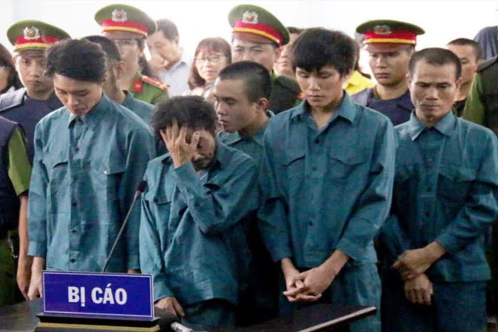 Những kẻ đã cầm đầu gây ra vụ lộn xộn tại Phan Rí Cửa - Bình Thuận bị xét xử vào tháng 7.2018. Ảnh: P.V