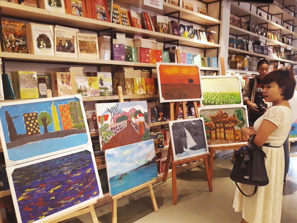 Buổi triển lãm thu hút nhiều sự quan tâm của cộng đồng