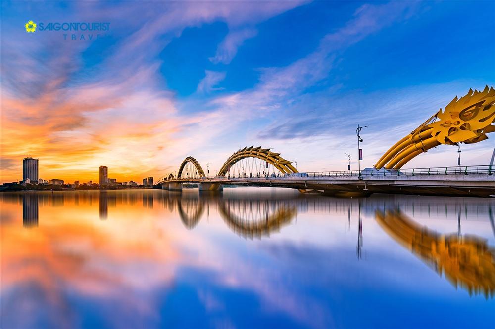 Cầu Rồng - biểu tượng mới của thành phố Đà Nẵng. Ảnh: Saigon Tourist