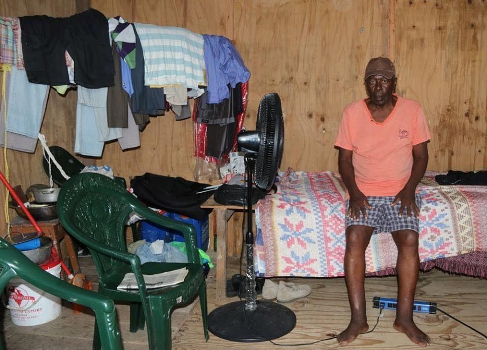 Không phải ai cũng được tưởng thưởng khi hợp tác với DEA. Lazarus St Rose, một đặc tình của DEA đã chết trong cảnh nghèo khó và cô đơn tại Moruga, quốc đảo Trinidad và Tobago.