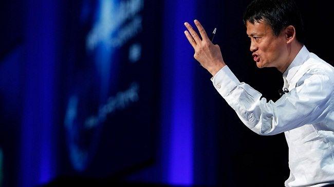 Jack Ma - người đàn ông giàu nhất Trung Quốc và cũng là chủ tịch của Alibaba vừa đưa ra quyết định sẽ rời khỏi công ty này, để tham gia vào việc dạy học và các hoạt động từ thiện.