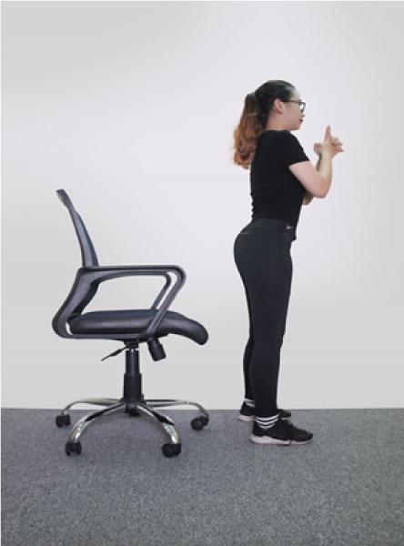 Bài tập với ghế cho người đau thắt lưng