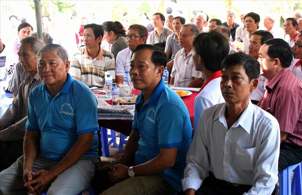 Buổi tọa đàm thu hút nhiều nông dân quan tâm. Ảnh: Lục Tùng