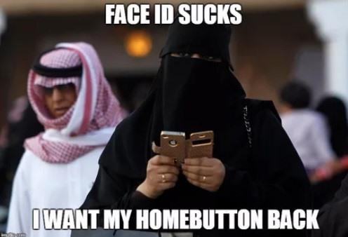 Nhiều người muốn Apple sẽ mang phím home trở lại, bởi với họ nhận diện khuôn mặt Face ID vẫn chưa hoạt động hiệu quả.