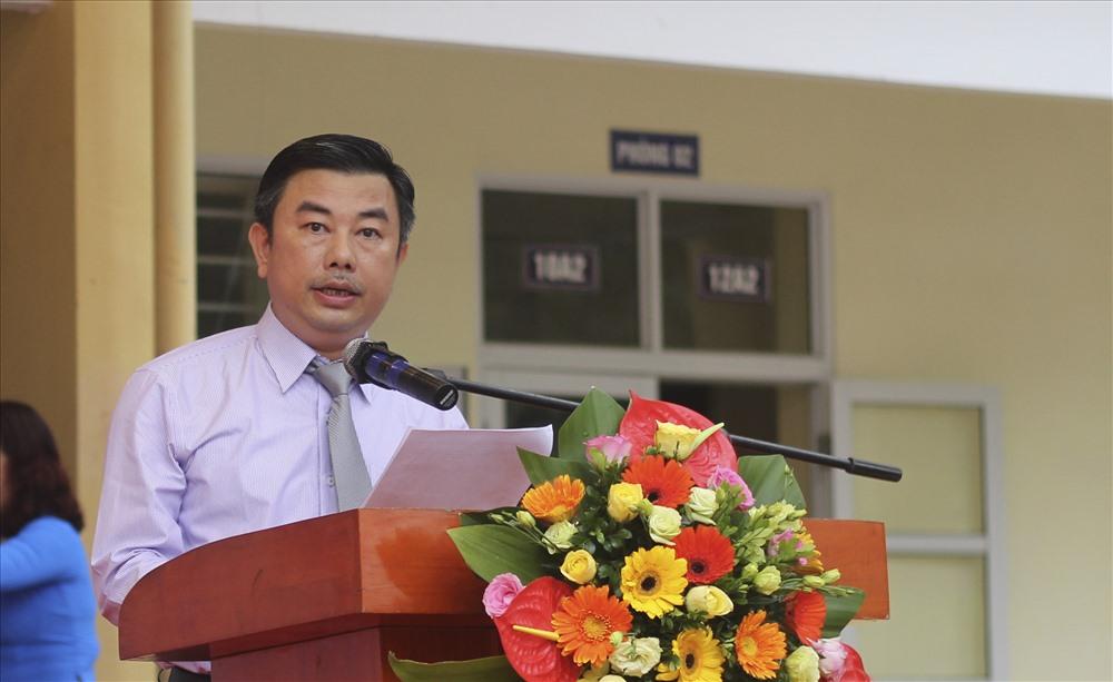 """Trưởng Ban tổ chức Chương trình truyền thông """"Vì ATGT Thủ đô năm 2018"""" Nguyễn Minh Đức phát biểu tại chương trình. Ảnh Trần Vương"""