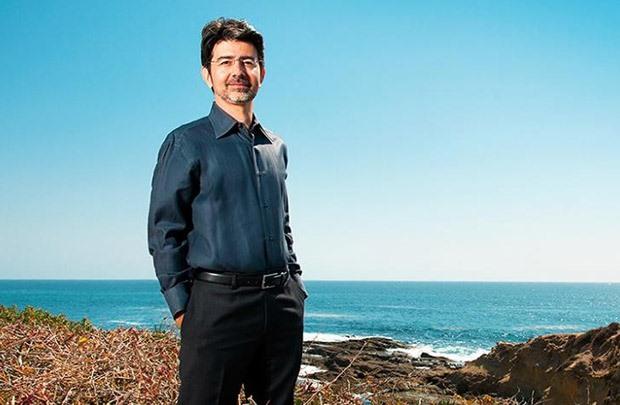 Pierre Omidyar hiện là người giàu nhất Hawaii và sống trong một biệt thự sang trọng tại Honolulu. Ông cũng đã nghỉ hưu từ lâu và cam kết dành 90% tài sản làm từ thiện sau khi chết.
