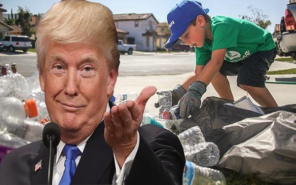 """Ông xây dựng sự nghiệp kinh doanh bằng cách quan sát và học hỏi. """"Tôi đã cùng cha đi đến các địa điểm kinh doanh của ông ấy để quan sát cách thức hoạt động. Sau đó, cả tôi và anh trai đều thu lượm vỏ chai soda để lấy tiền. Và đó là thu nhập đầu tiên của tôi"""", ông Trump nói với tạp chí Forbes."""