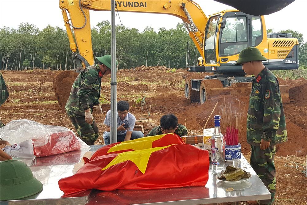 11 hài cốt được tìm thấy sẽ được đưa về nhà quản trang tại Nghĩa trang liệt sĩ huyện Gio Linh. Ảnh: Hưng Thơ.