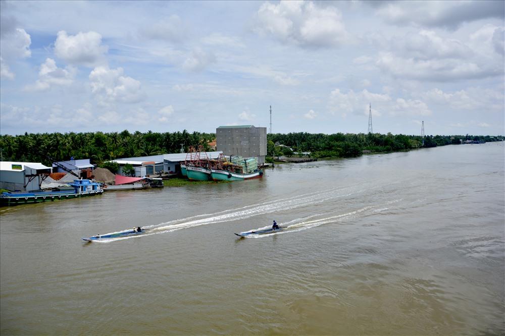 Đoạn sông Cái Lớn. Ảnh: LT