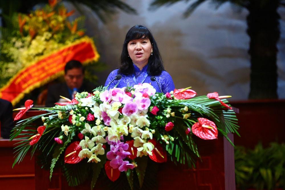 Đồng chí Trương Thị Bích Hạnh - Chủ tịch Liên đoàn Lao động tỉnh Bình Dương. Ảnh: Sơn Tùng.