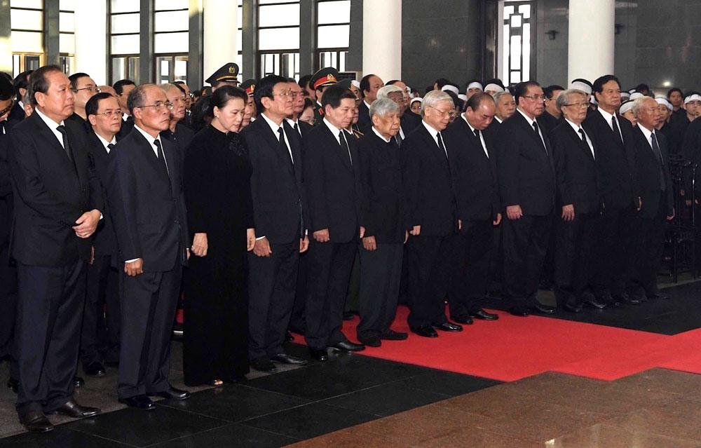 Đoàn Ban Chấp hành Trung ương Đảng do Tổng Bí thư Nguyễn Phú Trọng dẫn đầu.