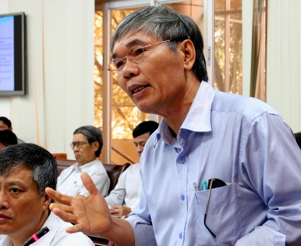 GS.TS Tăng Đức Thắng – Phó Giám đốc Viện Khoa học Thủy lợi Việt Nam trình bày Kết quả nghiên cứu bổ sung đánh giá tác động của Dự án. Ảnh: Lục Tùng