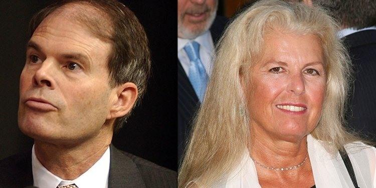 Nhà tiên phong trong ngành điện thoại di động Craig McCaw và nhà xuất bản báo chí Wendy McCaw đã ly dị một cách thân thiện vào năm 1997. Theo Forbes, Craig đã phải chia hơn 460 triệu USD cổ phiếu Nextel cho vợ.