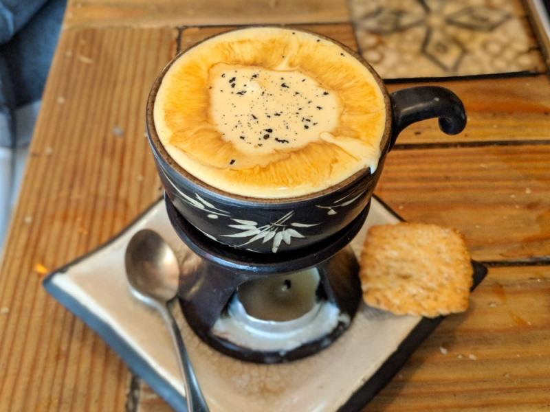 Cà phê trứng Nguyễn Hữu Huân