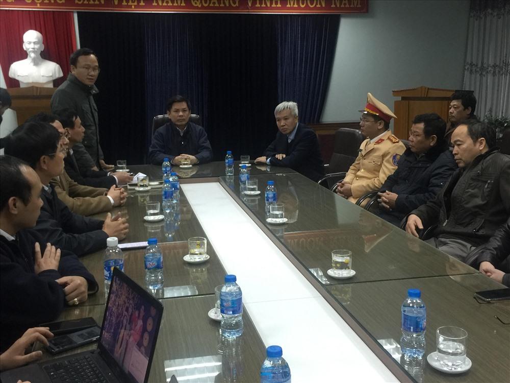 Bộ trưởng Bộ GTVT Nguyễn Văn Thể chủ trì họp báo lúc 7h tối ngày 21.1 - ảnh HH