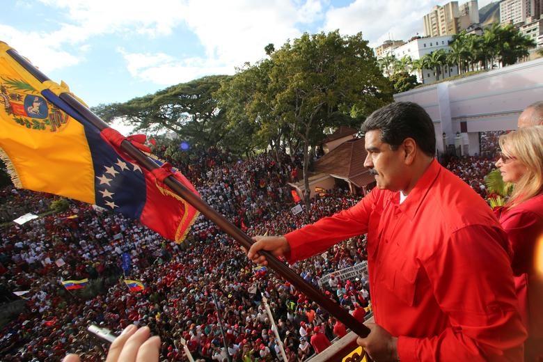 Tổng thống Maduro thông báo cắt đứt quan hệ với Mỹ sau khi ông Juan Guaido, lãnh đạo Quốc hội do phe đối lập kiểm soát, tuyên bố trở thành Tổng thống lâm thời và được chính quyền ông Donald Trump cùng một số quốc gia Mỹ Latin ủng hộ.