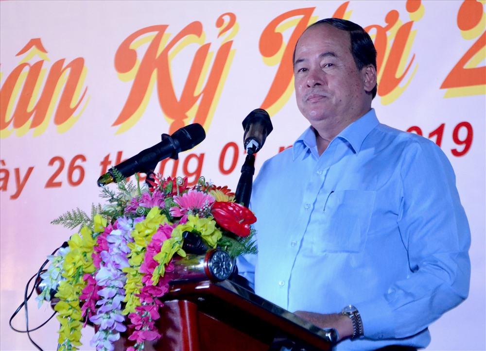 Phó Chủ tịch UBND tỉnh An Giang Nguyễn Thanh Bình phát biểu chúc Tết CNLĐ. Ảnh: Lục Tùng