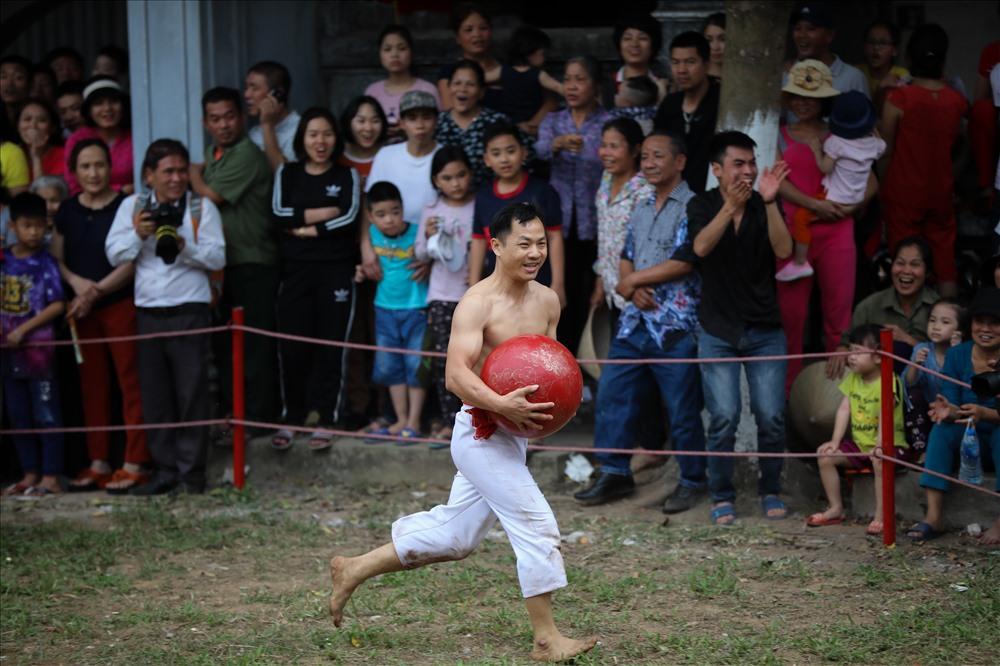 Hội vật cầu Thúy Lĩnh nhằm tưởng nhớ công ơn của Linh Lang Đại vương và thể hiện truyền thống thượng võ của nhân dân địa phương.