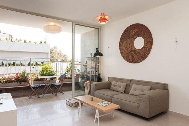 Việc chọn cửa trượt bằng kính giúp ánh sáng có thể chiếu thẳng trực tiếp vào các khu vực chức năng trong nhà, giảm thiểu nguồn năng lượng sưởi ấm và chiếu sáng hàng ngày.