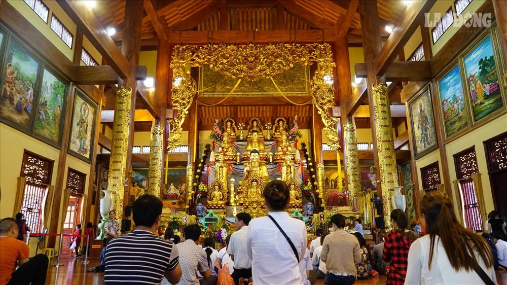 Chùa Ba Vàng hiện đang là ngôi chùa trên núi có tòa chính điện lớn nhất, đạt kỷ lục Việt Nam từ năm 2014.