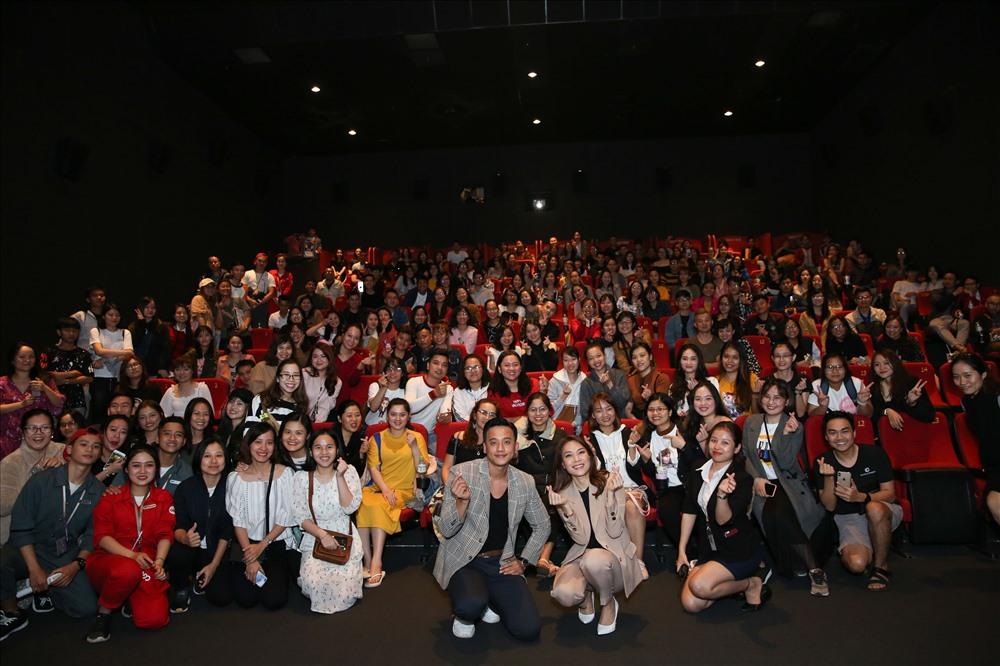 Mỹ Tâm và Mai Tài Phến bận rộn đi cinetour tại Đà Nẵng vào thời điểm cận Tết. Ảnh: Thắng Đặng.