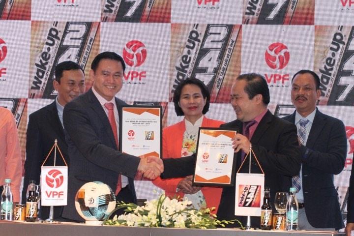 VPF ký kết và ra mắt nhà tài trợ mới. Ảnh: Thư Thuận