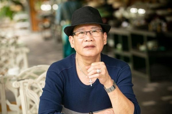 """Nam danh ca hải ngoại được em trai ví như """"Lão Ngoan Đồng"""" trong truyện kiếm hiệp đình đám của tác giả Kim Dung."""