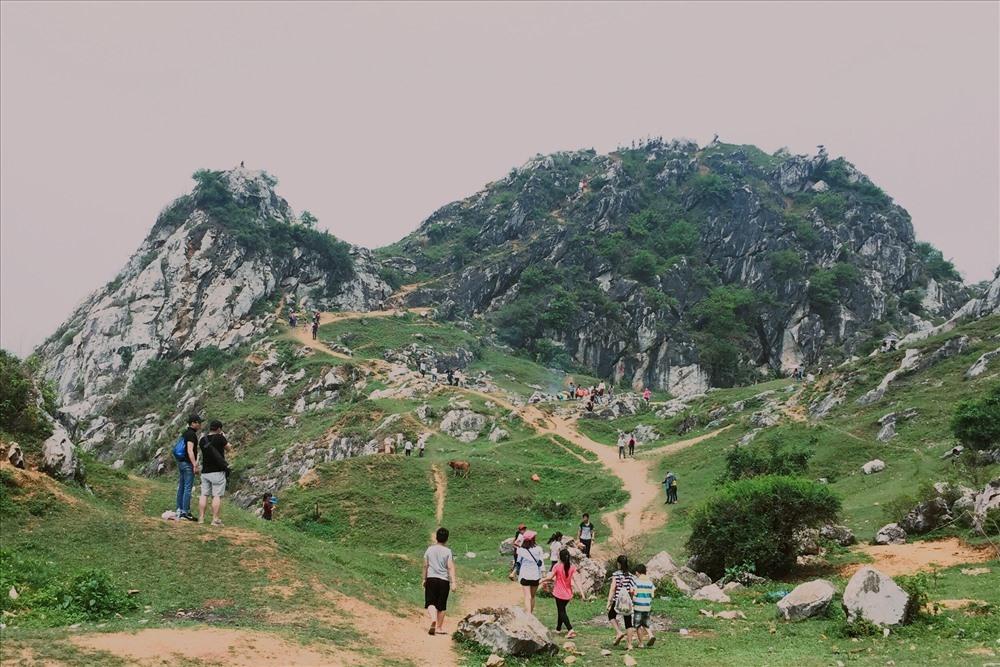 Núi Trầm – điểm cắm trại gần Hà Nội lý tưởng.