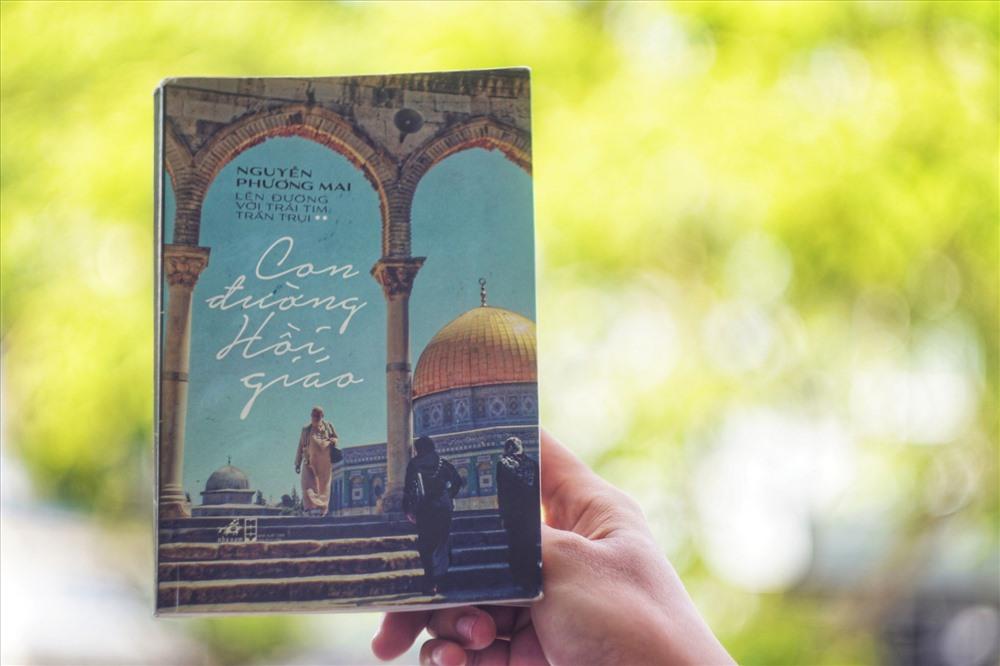 """Bìa sách """"Con đường Hồi giáo"""" do Nhã Nam xuất bản"""